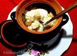 Пельмени с солеными рыжиками в сметанно-горчичной заливке