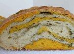 Пшеничный хлеб на биге (на жидких дрожжах) с песто из черемши