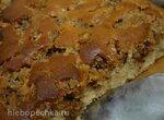 Бисквитный пирог с ореховой глазурью