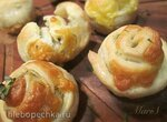 Булочки творожные с сыром и чесноком