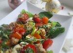 Салат из семги с запеченной брынзой, овощами и двумя заправками