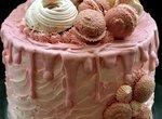 Бисквитный торт Влюбленная клубничка
