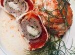Матрешки из помидоров, постного мяса и сыра Моцарела