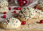 Овсяное печенье с клюквой и кунжутом