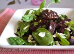 Салат свекольный со шпинатом, сыром, вяленым черносливом