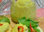 Паста из авокадо с персиком