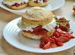 Песочное печенье с клубникой и сливками (+видео)