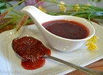 Соус из клубники с мускатным цветом и портвейном
