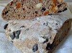 100% цельнозерновой хлеб с сухофруктами и орехами