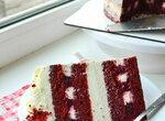 Бисквитный торт Мой красный бархат с чизкейком и малиновой начинкой (+видео)