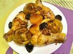 Курица с яблоками и сухофруктами, запеченная  в Ninja Foodi (программа Bake)