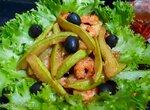 Салат с креветками и жаренными кабачками