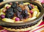 Тажин с картофелем, черносливом и оливками