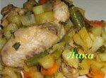 Куриные крылышки с карри и овощами в мультиварке