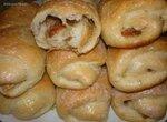 Мягкие сладкие булочки с сухофруктами