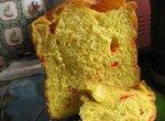 Хлеб с сладким перцем, куркумой и сыром (хлебопечка)