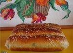 Пшеничный цельнозерновой хлеб-рулет с сыром и зеленью