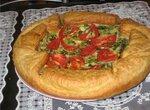 Пирог слоеный с зеленым луком