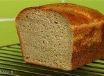 Хлеб шенично-кукурузный с овсяными хлопьями на хмелевой закваске с сывороткой.