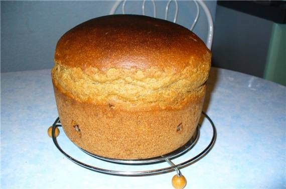Хлеб пшенично-ржаной на закваске с изюмом