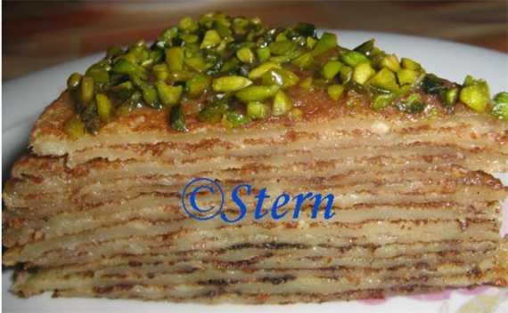Блинный тортик с горячим миндальным кремом