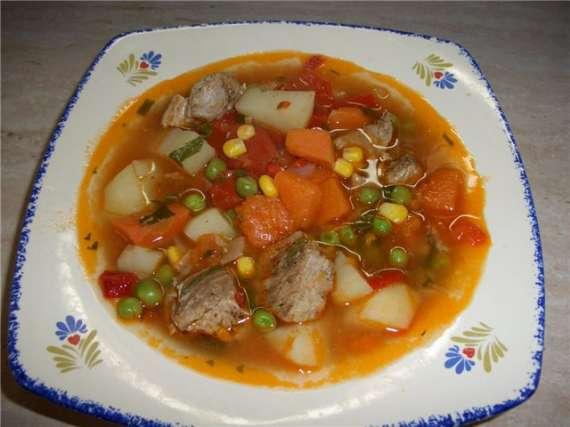 Густой суп с кукурузой, горошком и тыквой