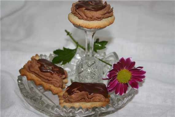 Печенье песочное с трюфельной начинкой