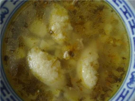 Суп куриный с манными клецками и картофелем