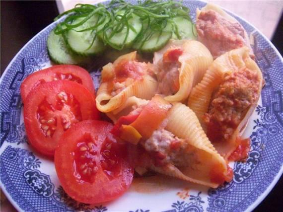 Conchiglioni с мясной начинкой