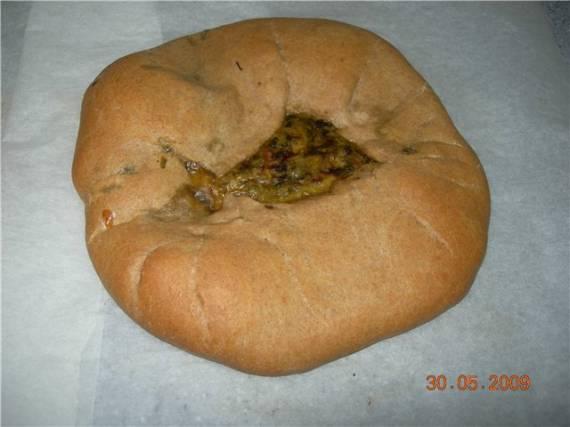Осетинский пирог с сыром и свекольной ботвой, цельнозерновой