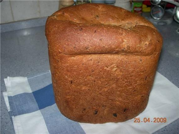 Цельнозерновой хлеб в греческом стиле с фетой и оливками