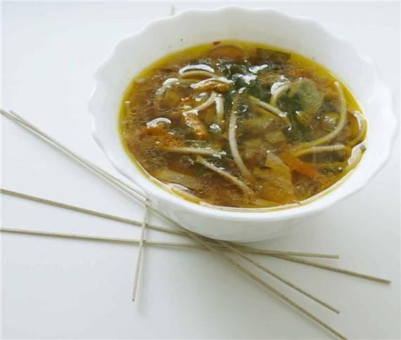 Суп а-ля мисо с гречневой вермишелью «Хайку морской капусты»