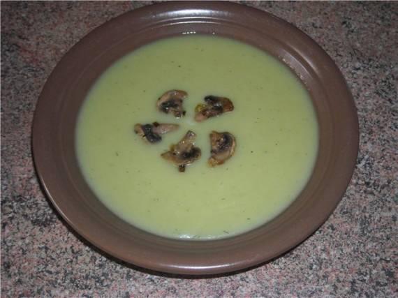 Картофельный суп-пюре с брокколи и грибами
