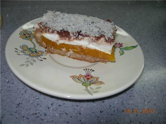 Торт песочный с курагой и творожным кремом