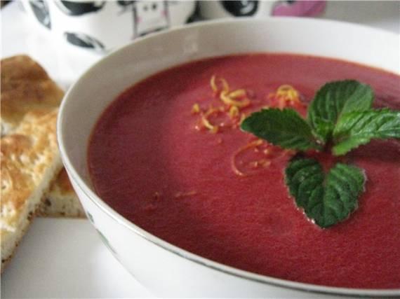 Суп из свеклы с апельсиновой цедрой