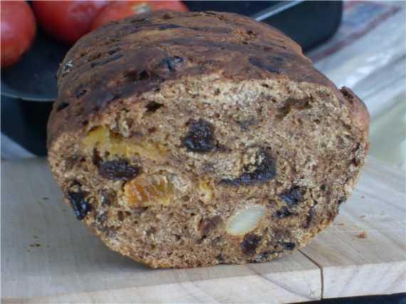 Тирольский хлеб с сухофруктами в духовке