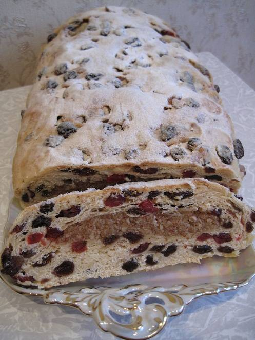 Паасброд - пасхальный хлеб