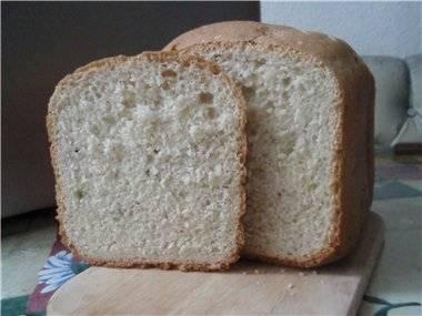 Чесночный хлеб с сыром и базиликом в хлебопечке