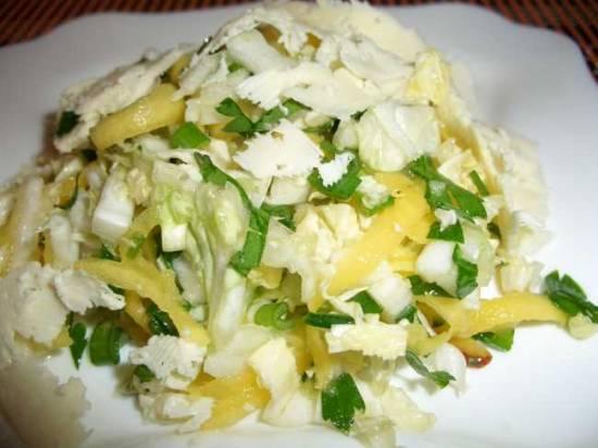 Салат из пекинской капусты с овечьим сыром