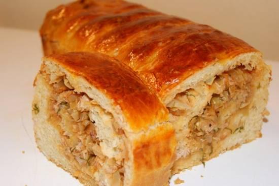 Пирог с капустой и тунцом
