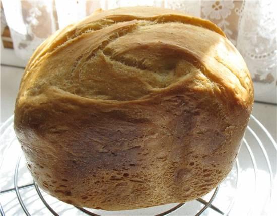 Пшеничный хлеб с лепестками тагетеса (чорнобривца) (хлебопечка)
