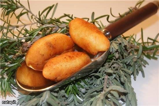 Пирожки-миньон с грибами Жульен