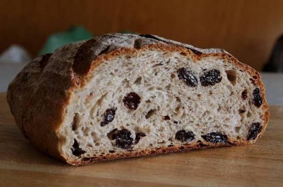Хлеб с тмином и изюмом (духовка)