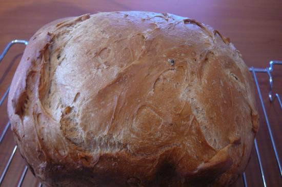 Хлеб с яблочным пюре и грецкими орехами  (хлебопечка)