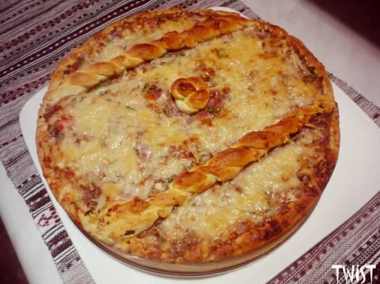 Пирог с курицей под сырной корочкой