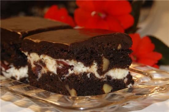 Брауни с крем-чиз, вяленой вишней и орехами