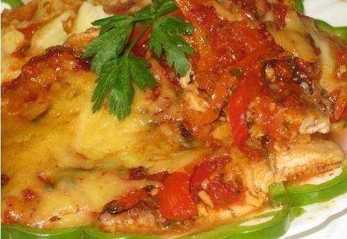 Рыба запечённая под овощами