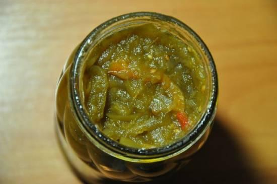Острый салат из зелёных помидор.