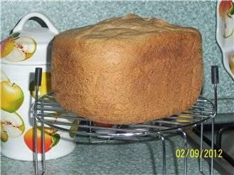 Хлеб пшенично-ржаной с цельнозерновой мукой и тмином