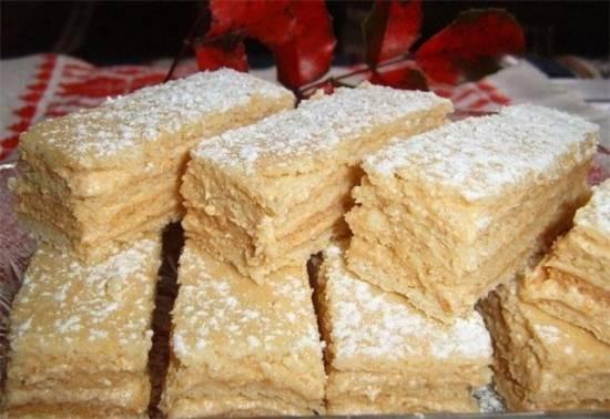 Нежные карамельные пироженые